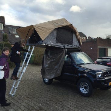 The roof tent is installed