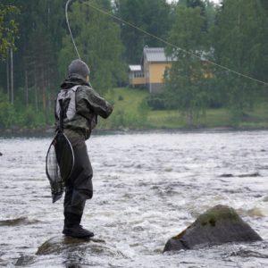 Veel vissers in Kerma Finland
