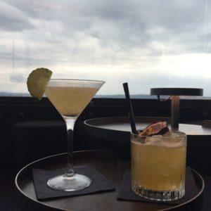 Cocktails in de Summit bar